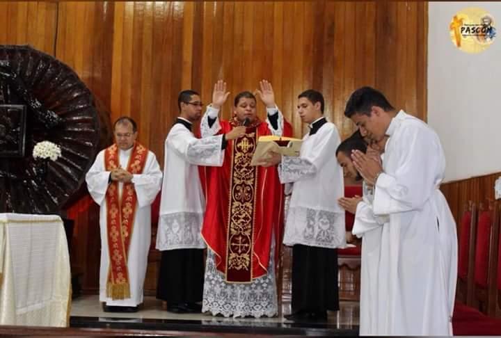 Desde o dia 20 de Junho o novenário foi iniciado, meditando todos os dias o  tema  O Primado de Pedro. Diversos sacerdotes passaram pela Catedral  realizando ... 3cc154346a